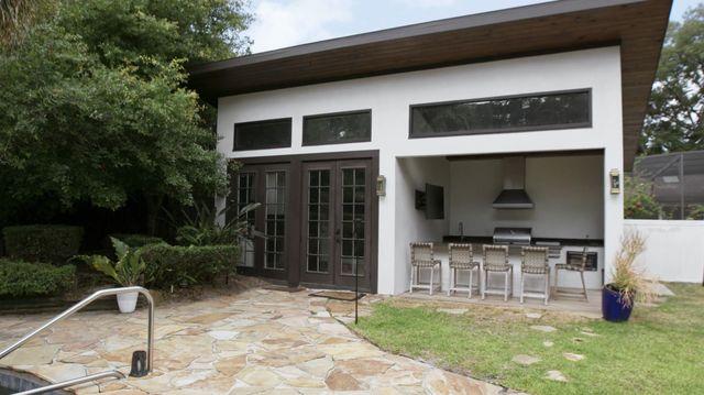 David Bromstad's pool house