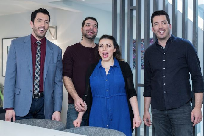 Larry and Janna are overwhelmed by the changes Drew and Jonathan Scott made to their home.