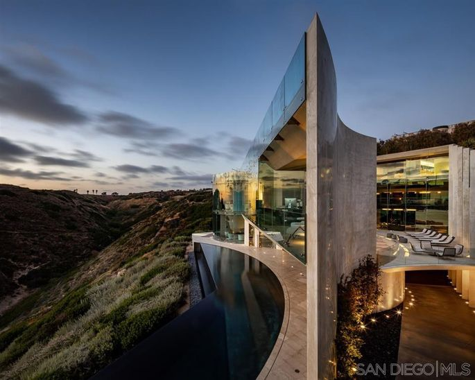 The ultramodern structure is named for its location: Razor Point in La Jolla, CA.
