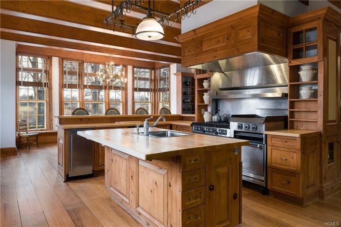 Commercial-quality kitchen