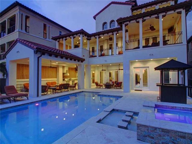 rob-gronkowski-sells-party-mansion-in-tampa-2