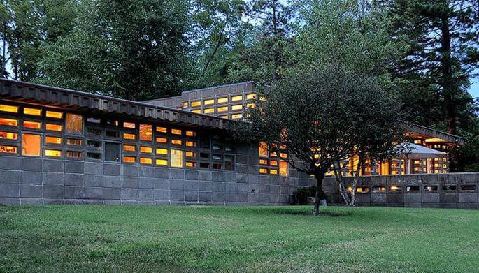 Frank Lloyd Wright's Gerald B. Tonkens House