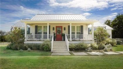 Little Shack on the Prairie From 'Fixer Upper' Season 4 Is Listed for $400K