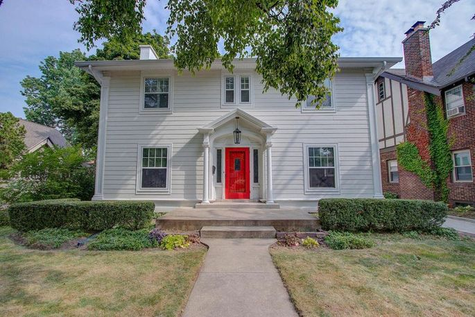 2424 E. Beverly Road, Shorewood, WI