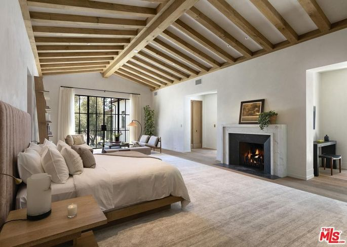 Bellagio Estate bedroom