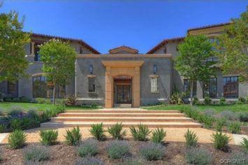 Kourtney and Khloe Kardashian Keep Up in Real Estate
