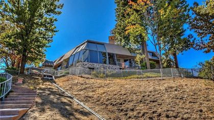 Luxurious '80s Time Capsule in Lake Arrowhead Has Totally Vintage Vibes
