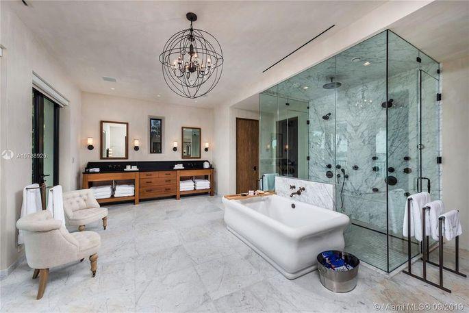 Luxe master bath