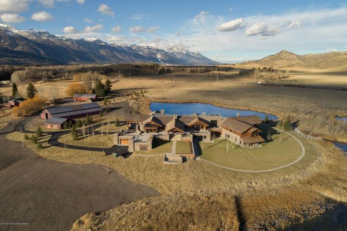 The former Puzzleface Ranch covers 226 acres.