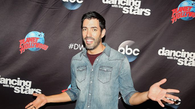 Drew Scott Ready To Reveal His Renovated Honeymoon House In L A