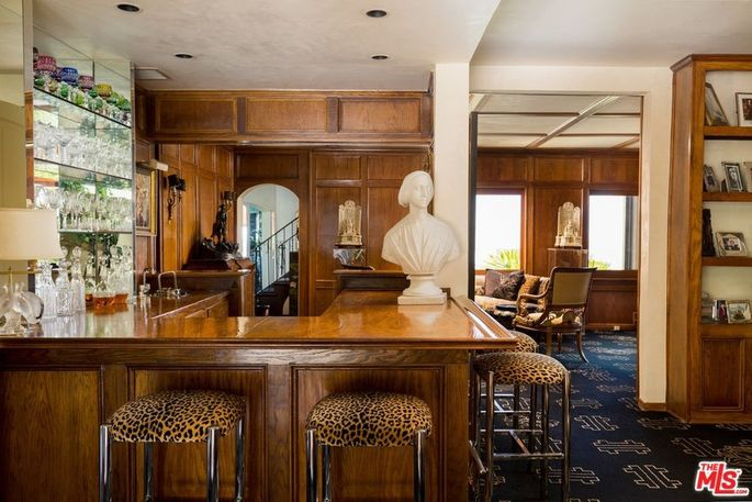 "Wraparound bar in the ""saloon"""