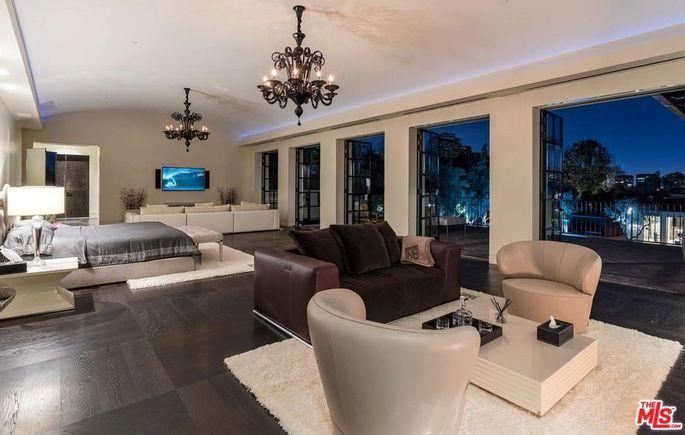 Massive bedroom