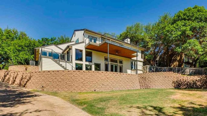 Faceless Bunker From Fixer Upper On The Market For 115m