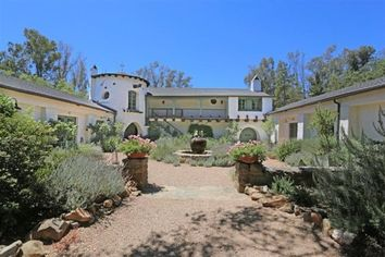Reese Witherspoon Selling Robert Pattinson's Breakup Hideout in Ojai (PHOTOS)