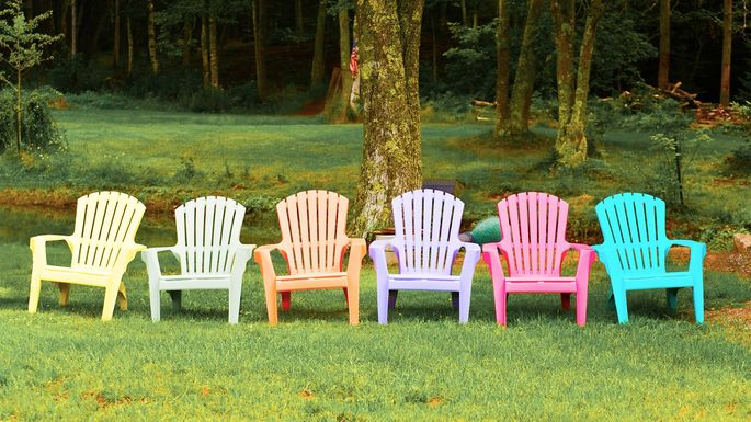 How To Paint Plastic (Yes, You Can): Lawn Furniture Makeover Made Easy