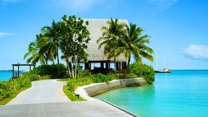 Paradise Found: These 5 Tips for Buying a Home on an Island Will Take You There