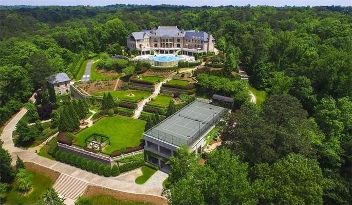 Tyler Perry Sets Record With Sale Of His 17 5m Atlanta