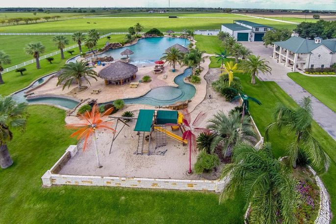 We dive into 10 fabulous pools made for summertime - Homes for sale with swimming pool el paso tx ...