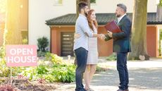 What Is a Real Estate Broker vs Real Estate Agent—and Who Should You Hire?