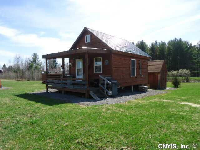 Thanksgiving, tiny house–style, in Redfield, NY