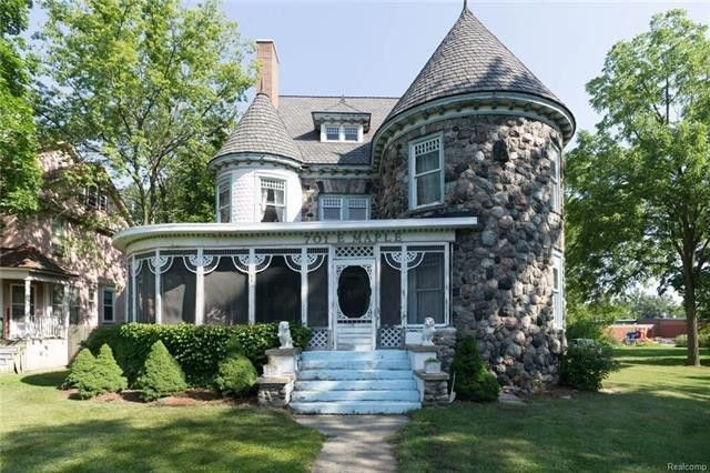 Reba Mcentire S Former Mansion Is This Week S Most Popular