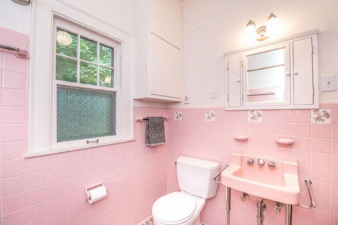 Modern Pink Bathroom Creative