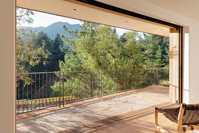 Indoor/outdoor interface