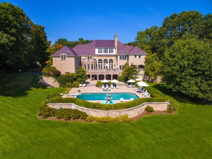 Regis Philbin's Greenwich estate