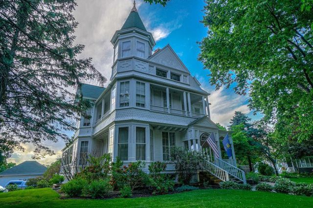 Victorian home in Hudson, WI