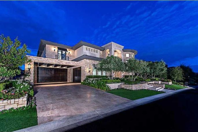 Aaron rowand lists enormous las vegas manse for 6 4m for Mansions for sale las vegas