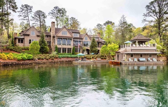 The property also comes with atwo-story boathouse.