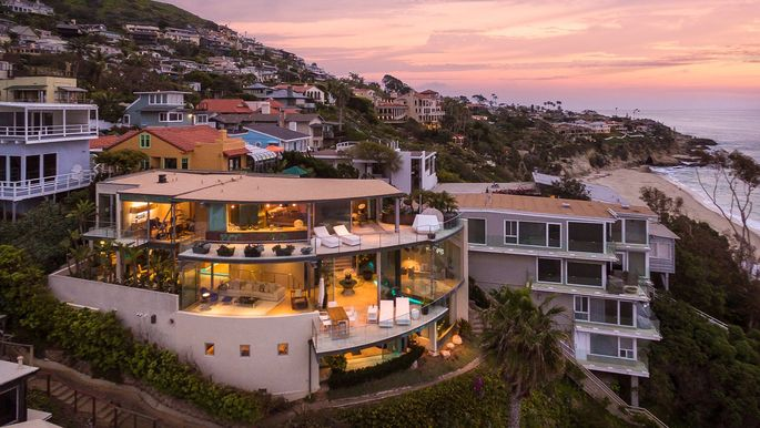Floating Gl House In Laguna Beach Sails Onto The Market For 11 9m