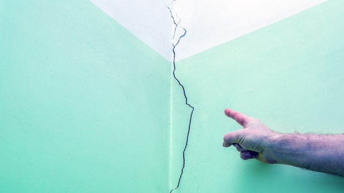 Cracks In The Wall Here S How Concerned You Should Be Realtor Com