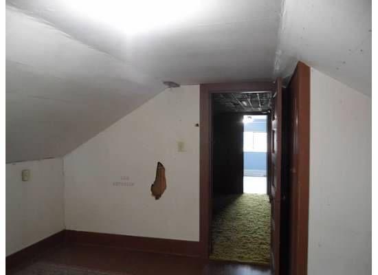 1210E1stStKurtBedroom