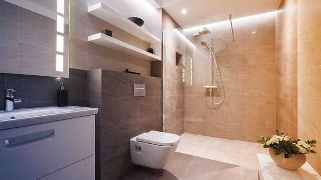Open Shower Design: The Trend That Transforms a Bland Bathroom Into a Luxurious Loo
