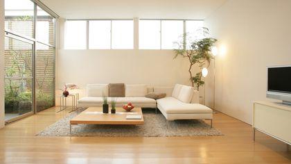 How to Make a Small Room Look Bigger: Design Experts' Secrets