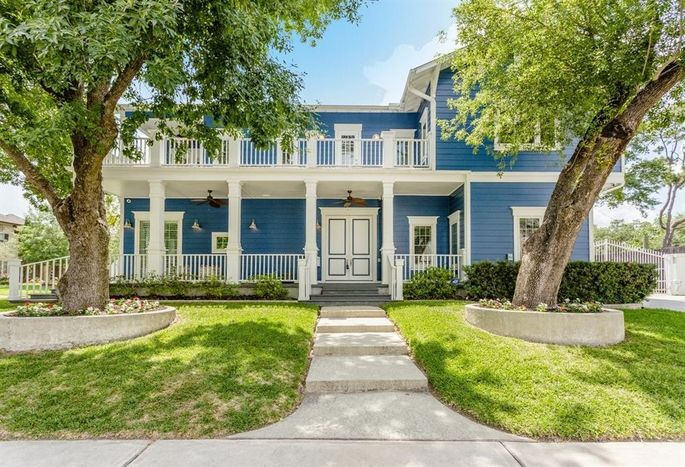Little Couple' Stars Sell Their Houston Home for a Tiny