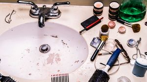 6 Ways You Didn't Realize Your Bathroom Is Stressing You Out