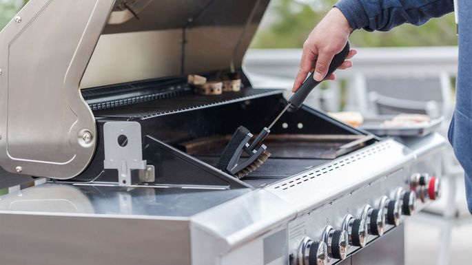 Clean that grill