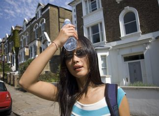 Looking for a House in Hot Weather Without Melting Down: Your Survival Guide