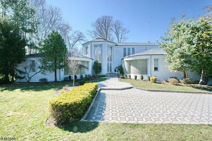 Gloria Gaynor's New Jersey mansion