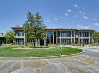 MLB Legend Eddie Murray Lists His Canyon Country Mansion
