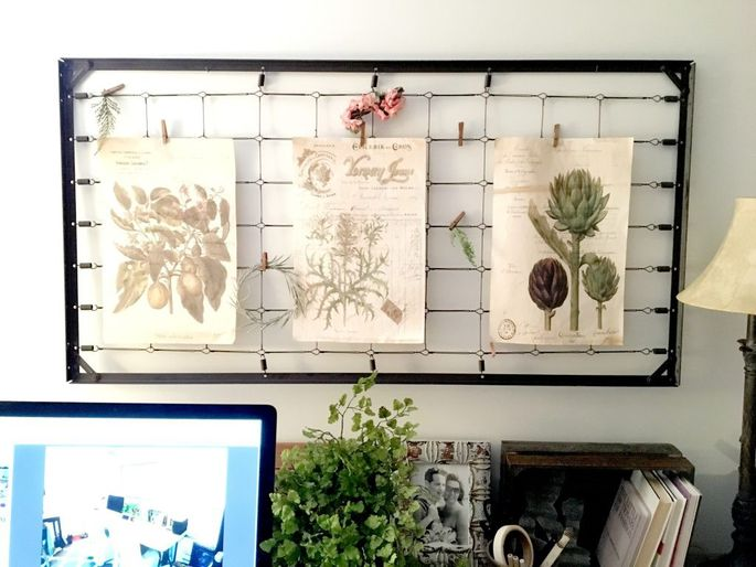 Grab these old springs and mount them on the wall for a DIY inspiration board.