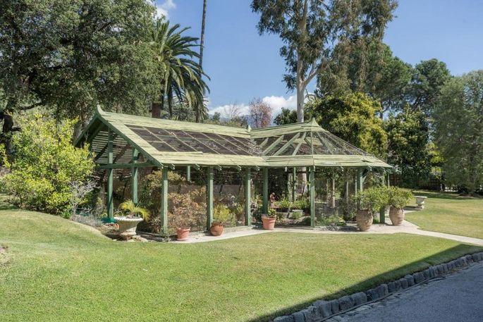 Aviary/greenhouse