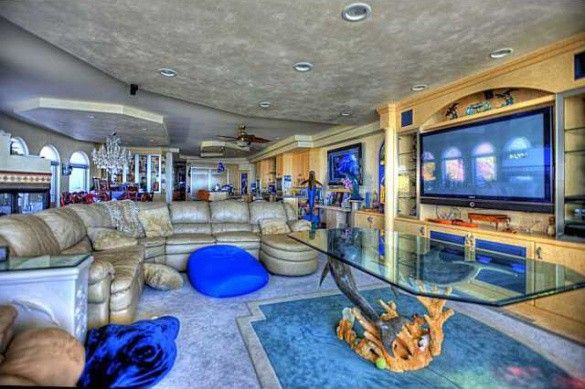 Under The Sea Make Yourself At Home In This Oceanside Abode Rhrealtor: Under The Sea Home Decor At Home Improvement Advice