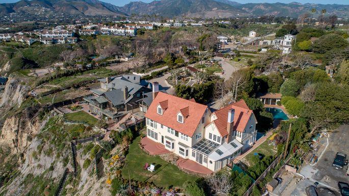 Sir Anthony Hopkins' beach house in Malibu, CA