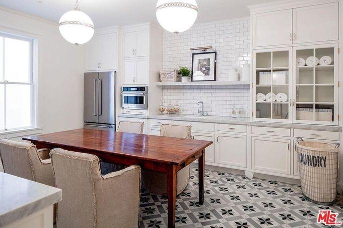 Staff kitchen / laundry room