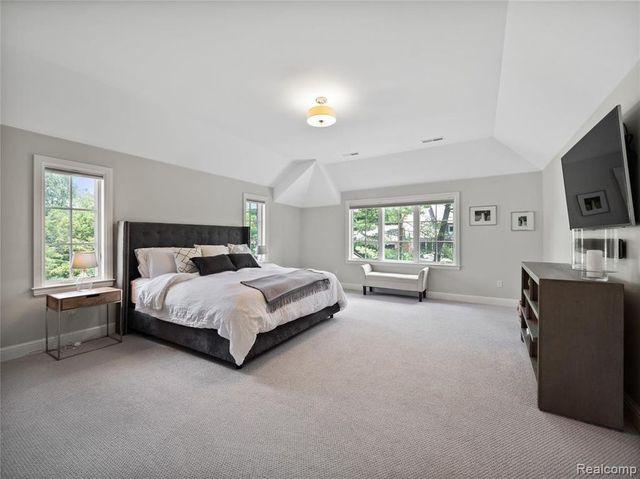 Nyquist bedroom