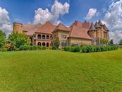 8 Things You Need to Know About This Castle in Texas