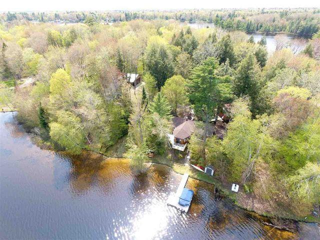 Lakefront property in Munising MI